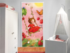 Fototapeet Strawberry Fairy - Treeswing 100x210cm ED-76654